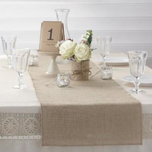 Decora la mesa de los invitados, dandole un estilo vintage