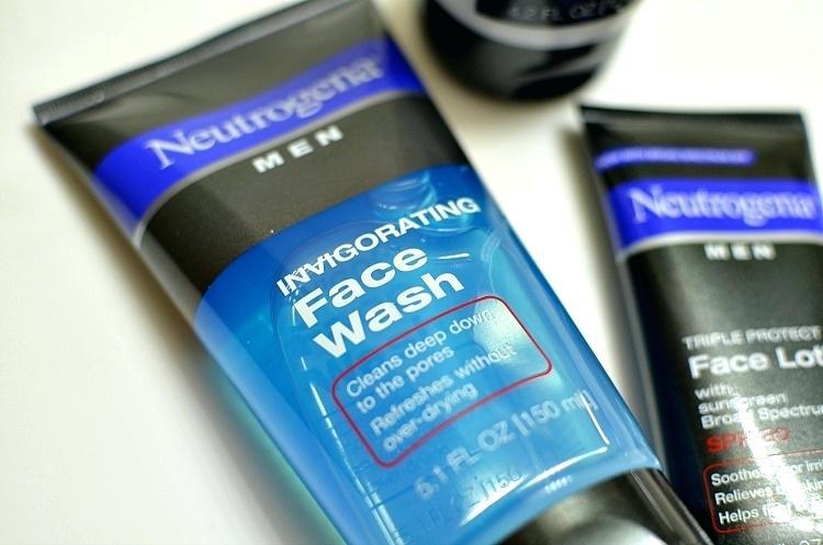 Neutrogena Invigorating Face Wash crema para hombre